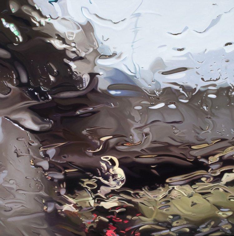 Дождь рисует разводы на стекле