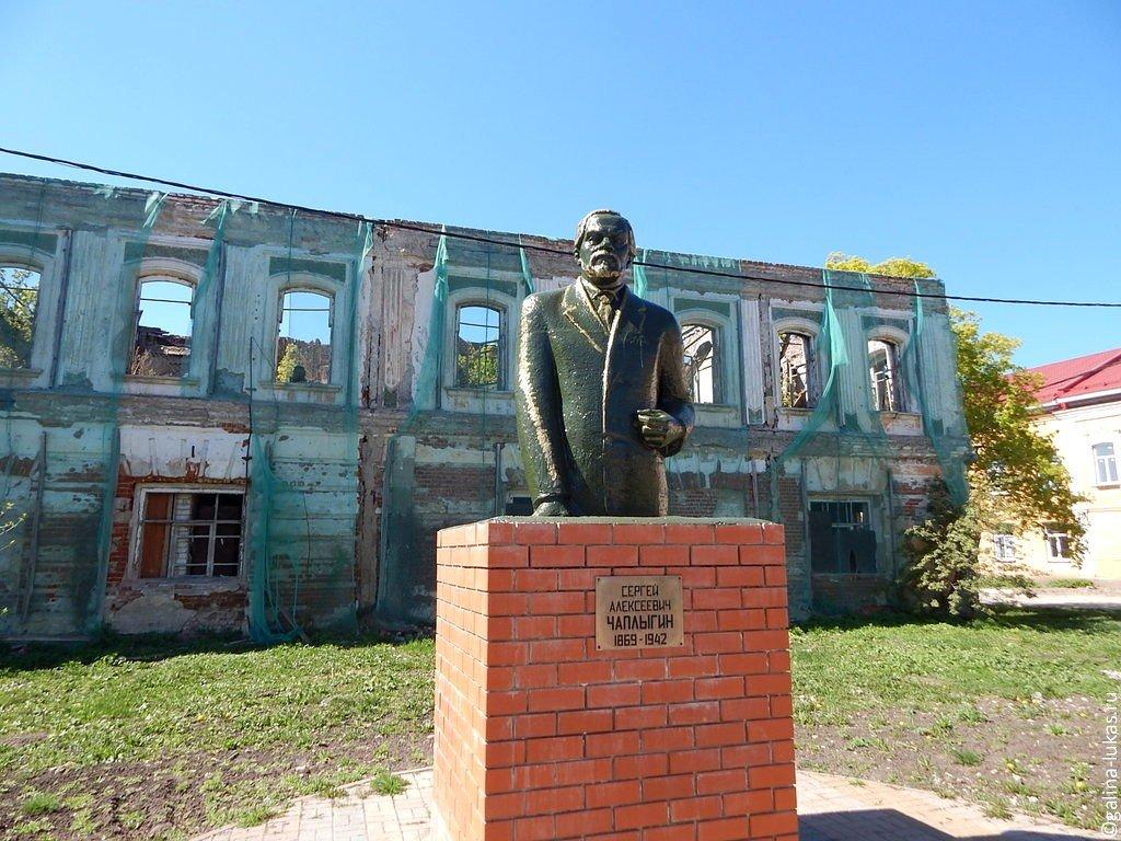 Эконом памятник Купола Венев Лампадка из лезниковского гранита резная Волжская
